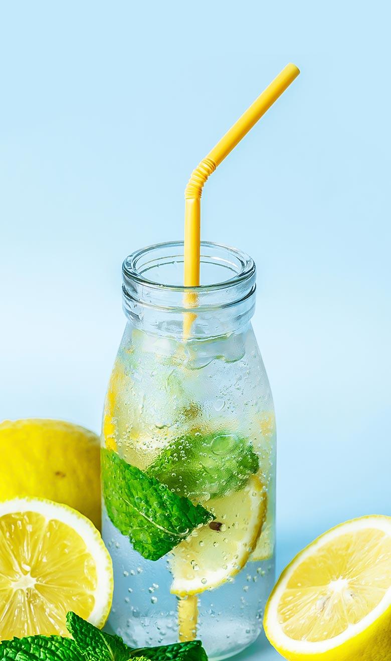 diet2-single-portfolio-water-with-straw